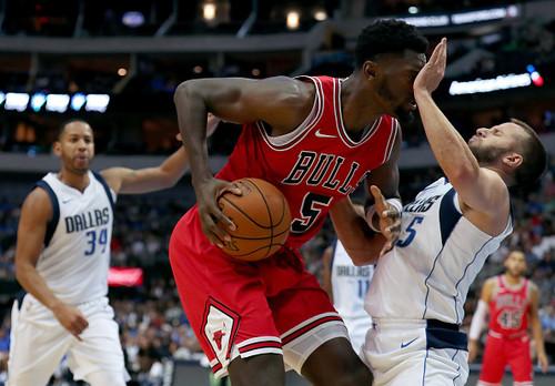 Баскетболист «Чикаго» Миротич сломал челюсть в потасовке содноклубником